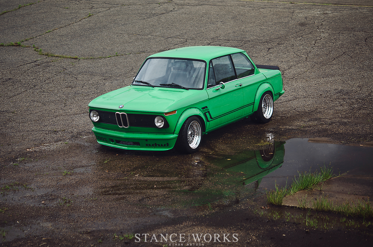 Signal Green BMW 2002 Turbo Is a Work of Art - autoevolution