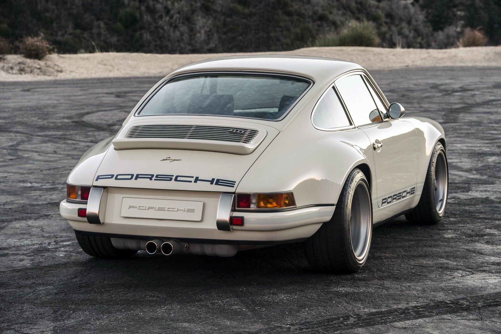 porsche 911 reimagined by singer to be showcased at 2016 goodwood fos autoevolution. Black Bedroom Furniture Sets. Home Design Ideas