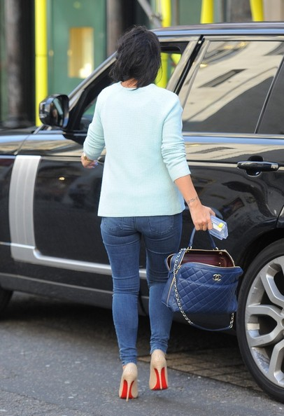 Old Range Rover >> Singer Lily Allen Drives a Ranger Rover - autoevolution