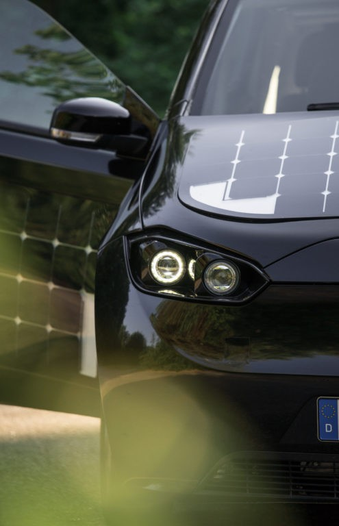 Sion by sono motors is the solar powered car of the green for Mitsuba motor solar car