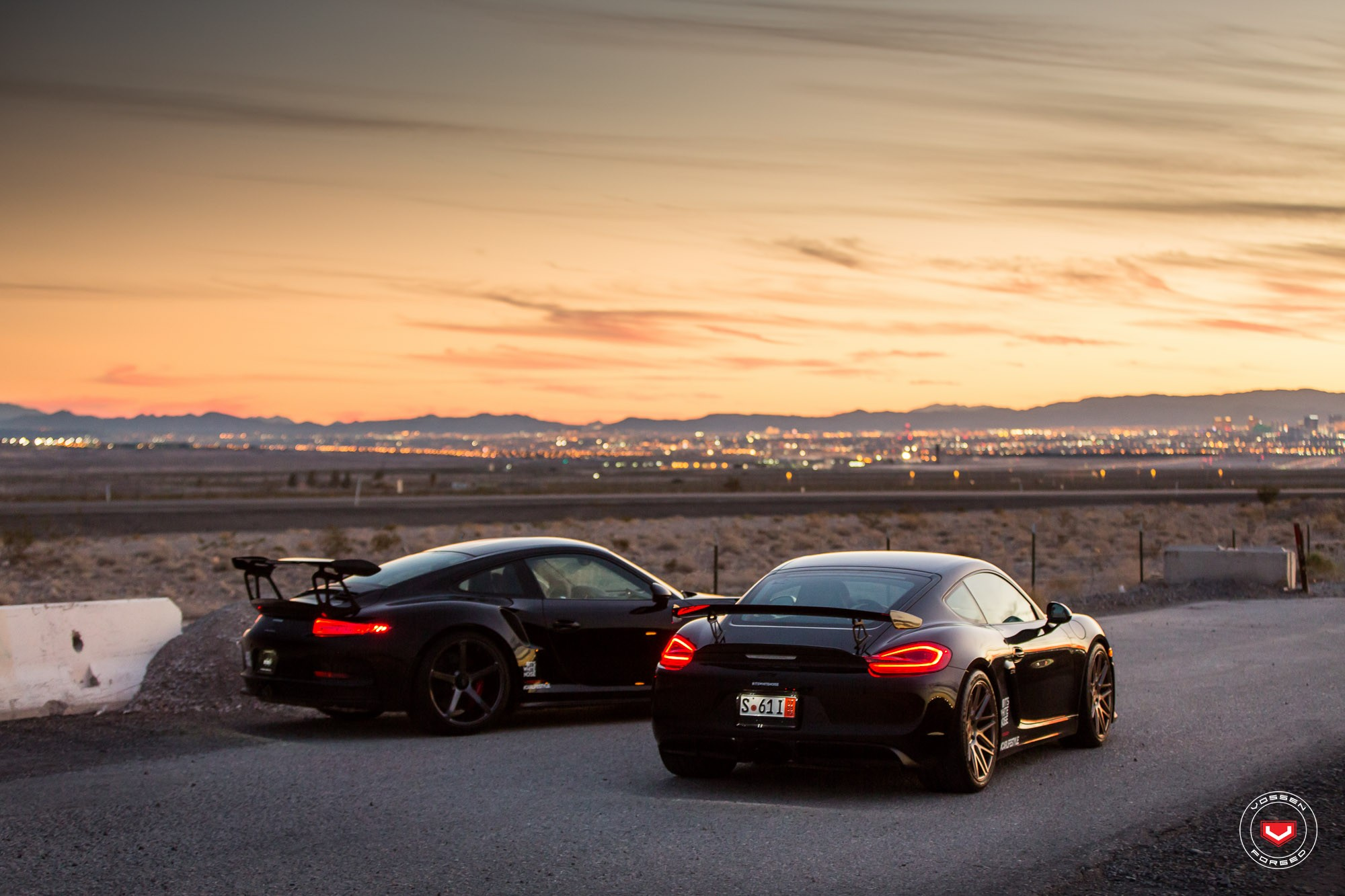 Sith Twins: Porsche 911 GT3 RS and Cayman GT4 on Vossen ...