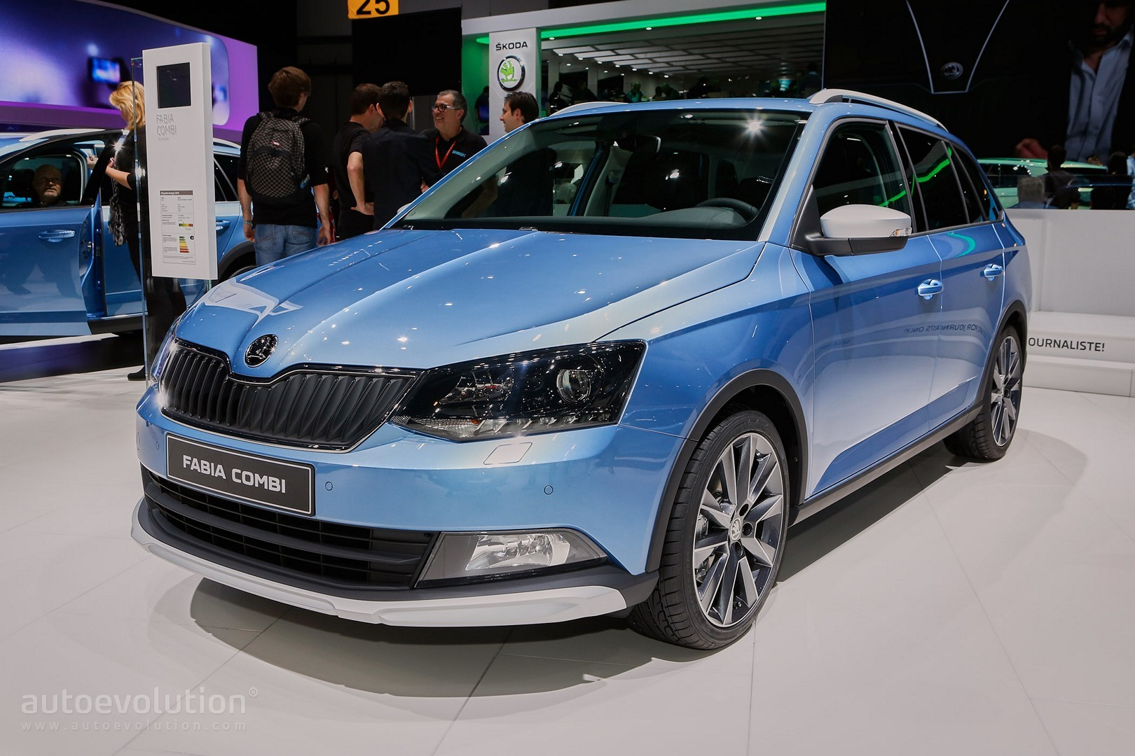 skoda fabia combi scoutline debuts in geneva looks like a baby octavia autoevolution. Black Bedroom Furniture Sets. Home Design Ideas