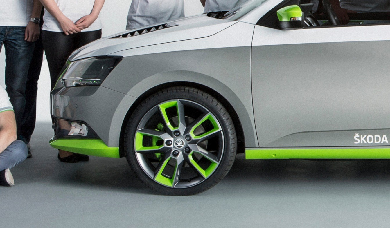 Skoda FUNstar Fabia Pickup Revealed, with Green LED Lights ...