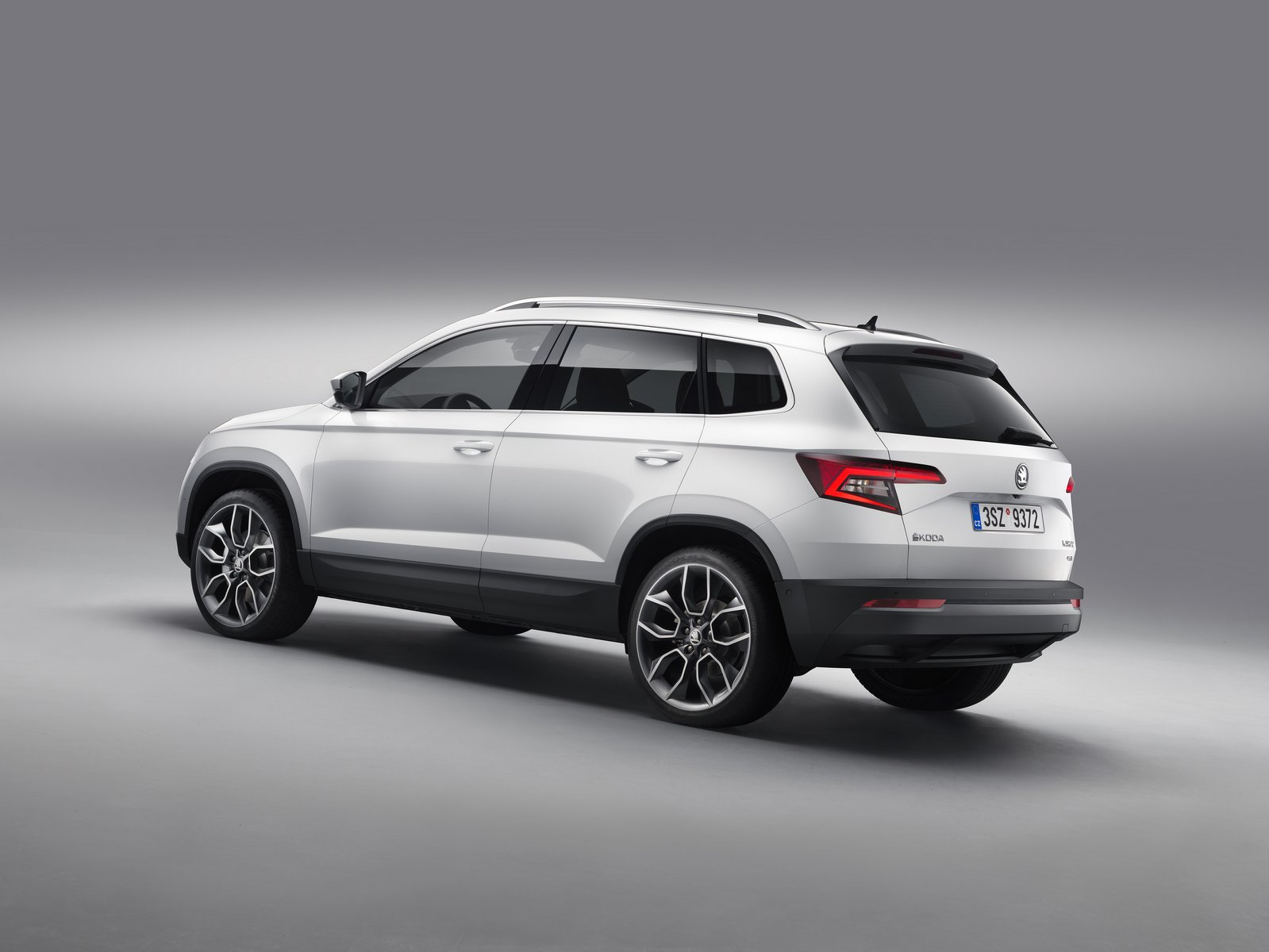 skoda karoq rs considered for production  sportline model coming in 2018