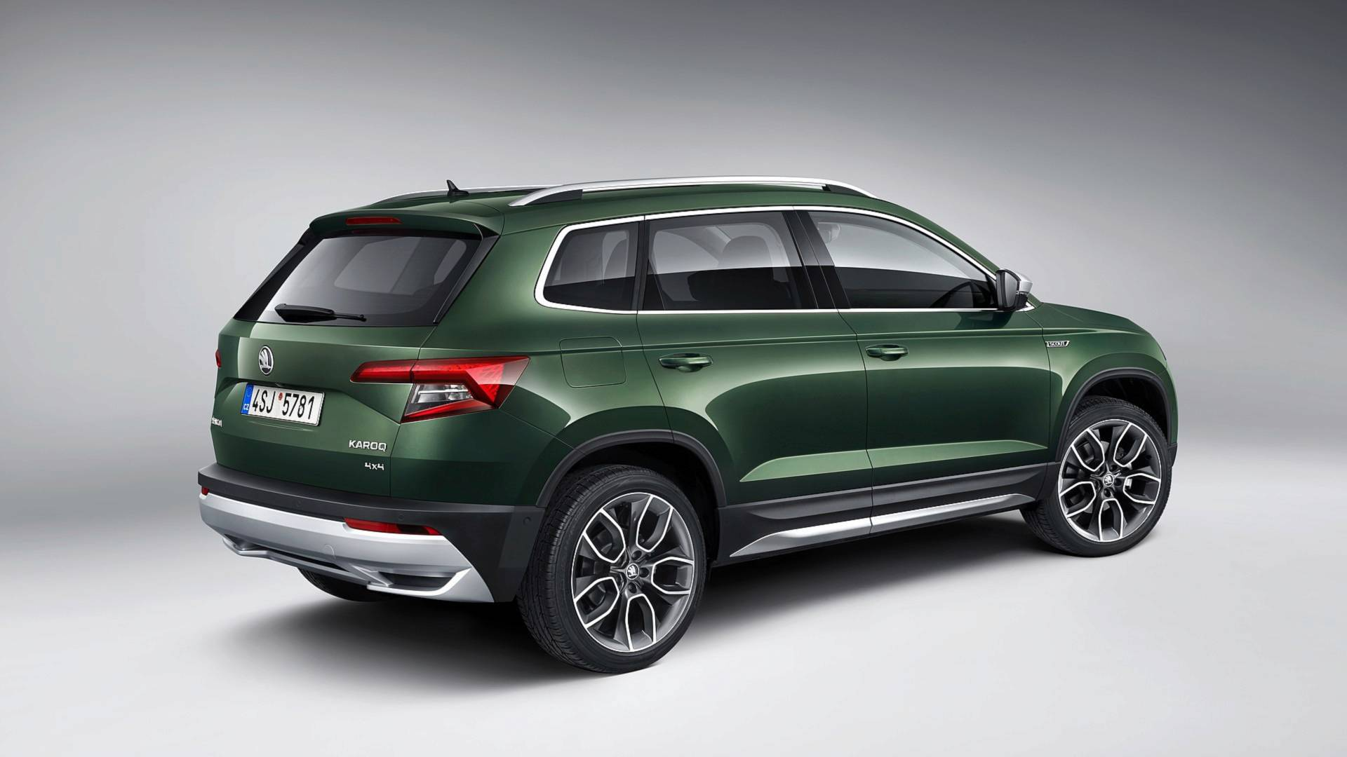 2019 skoda karoq scout looks ready to venture off the. Black Bedroom Furniture Sets. Home Design Ideas