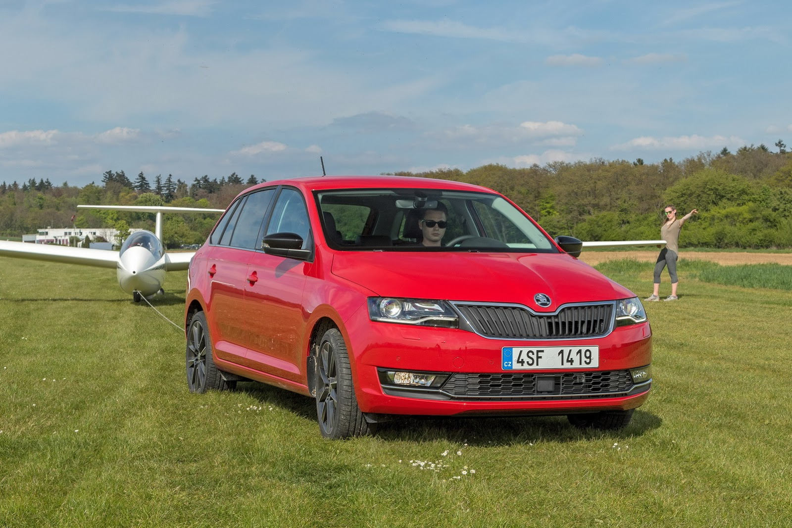 skoda launches 2017 rapid rapid spaceback with new. Black Bedroom Furniture Sets. Home Design Ideas