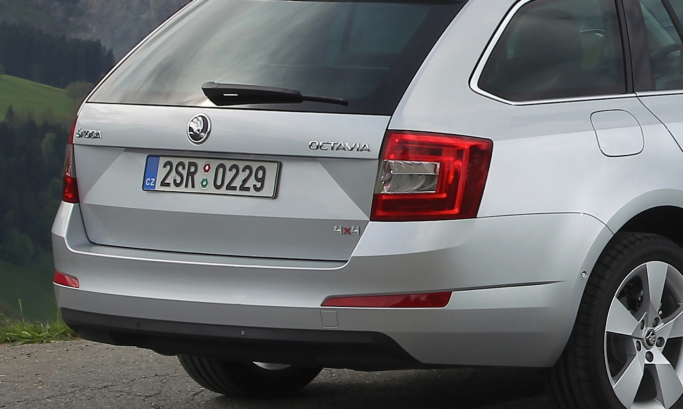 skoda octavia combi hatchback gets 4x4 system on three tdi. Black Bedroom Furniture Sets. Home Design Ideas