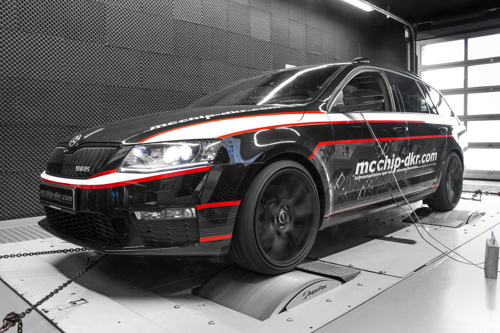 skoda octavia combi vrs diesel gets 215 hp from mcchip dkr autoevolution. Black Bedroom Furniture Sets. Home Design Ideas