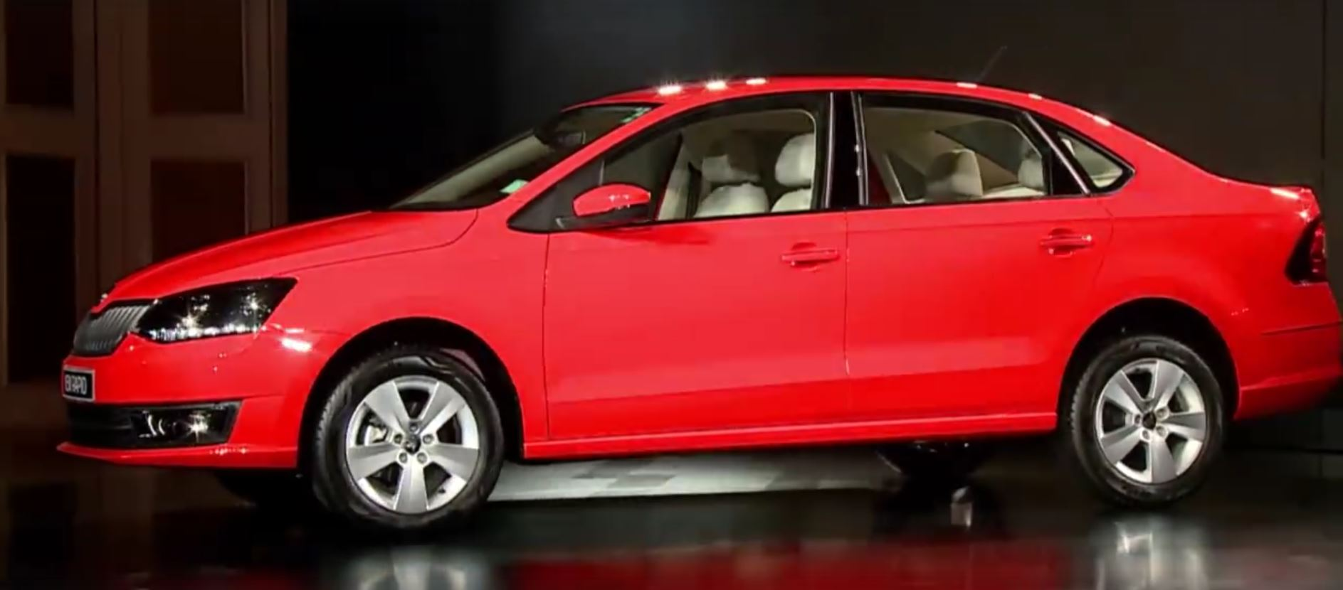 skoda rapid facelift gets fabia headlights 1 5 tdi in. Black Bedroom Furniture Sets. Home Design Ideas