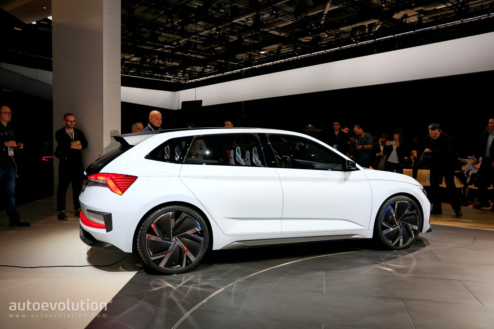 Skoda's Future Interior Design Previewed by Vision RS in ...
