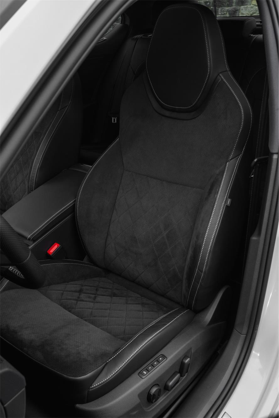 Skoda Superb Sportline Launched In Britain In Sedan And Estate Forms Autoevolution