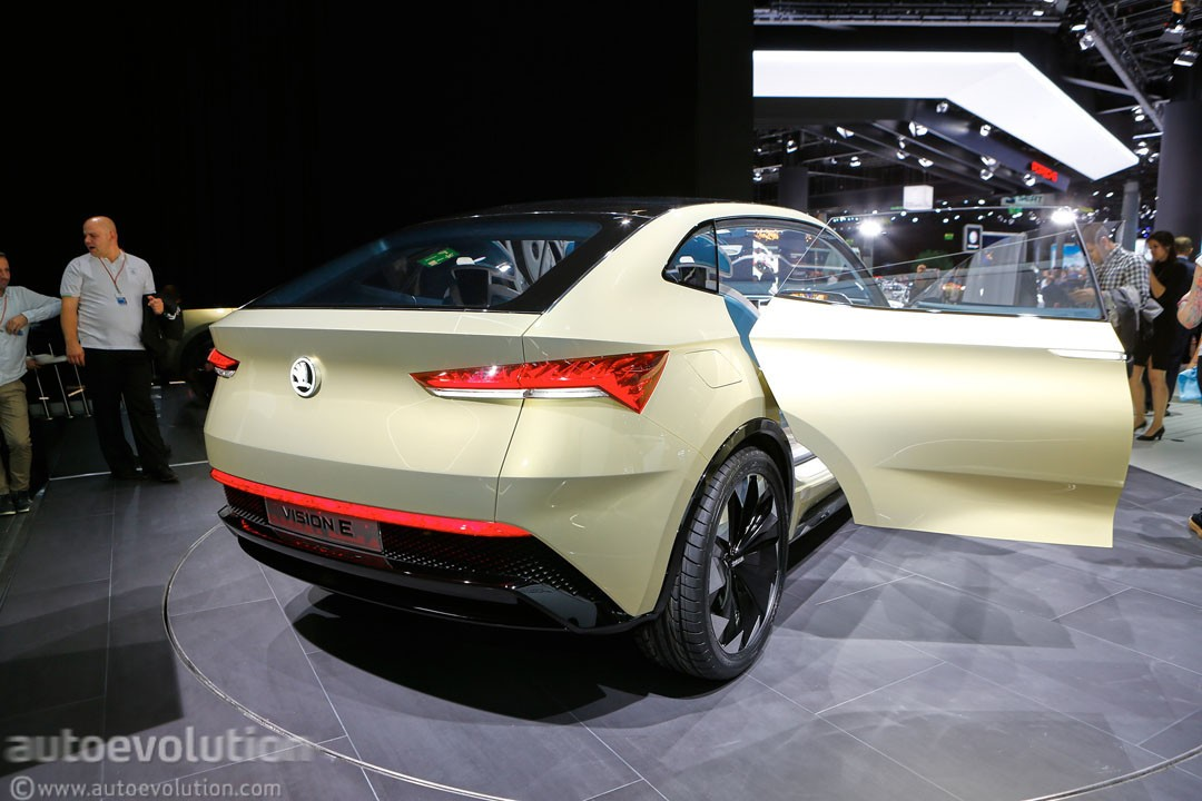 8 Seat Suv >> Skoda Vision E Is VW I.D. Crozz II's Brother from Another Mother - autoevolution