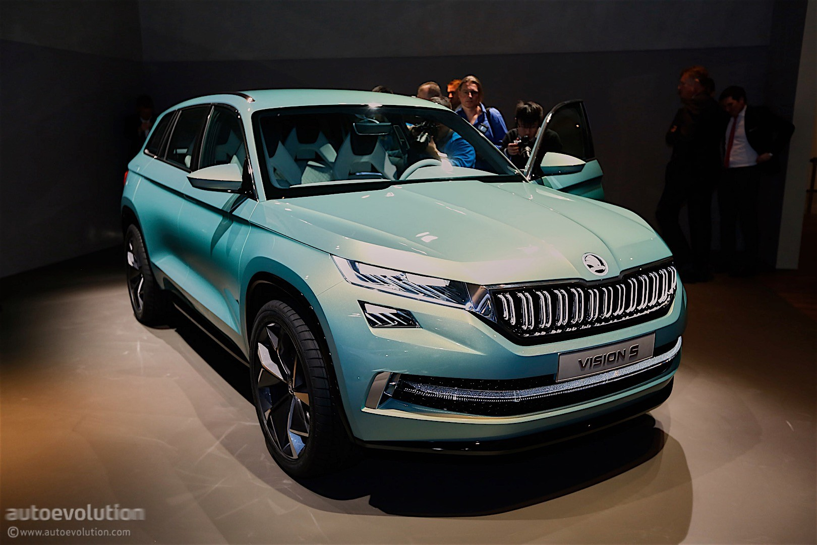 7 Seater Suv 2017 >> Skoda VisionS Concept Shows Us the First Big SUV from the Czech Brand - autoevolution