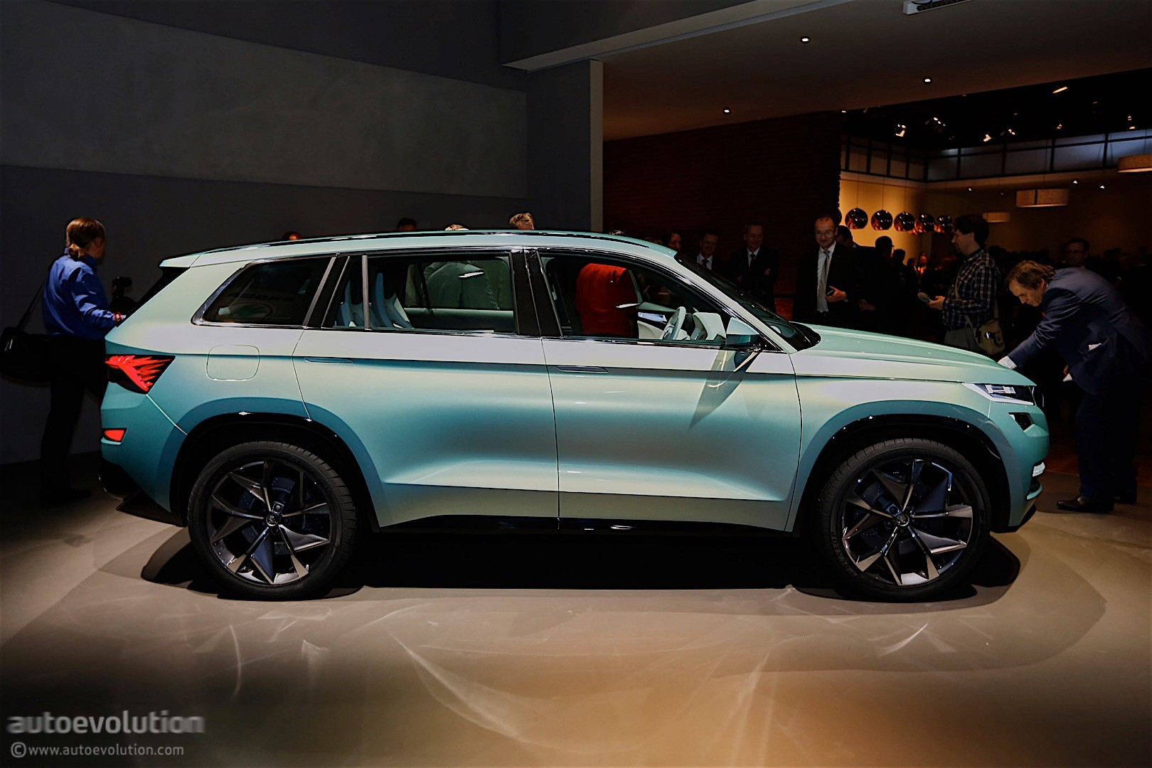 3 Row Seating Suv >> Skoda VisionS Concept Shows Us the First Big SUV from the Czech Brand - autoevolution