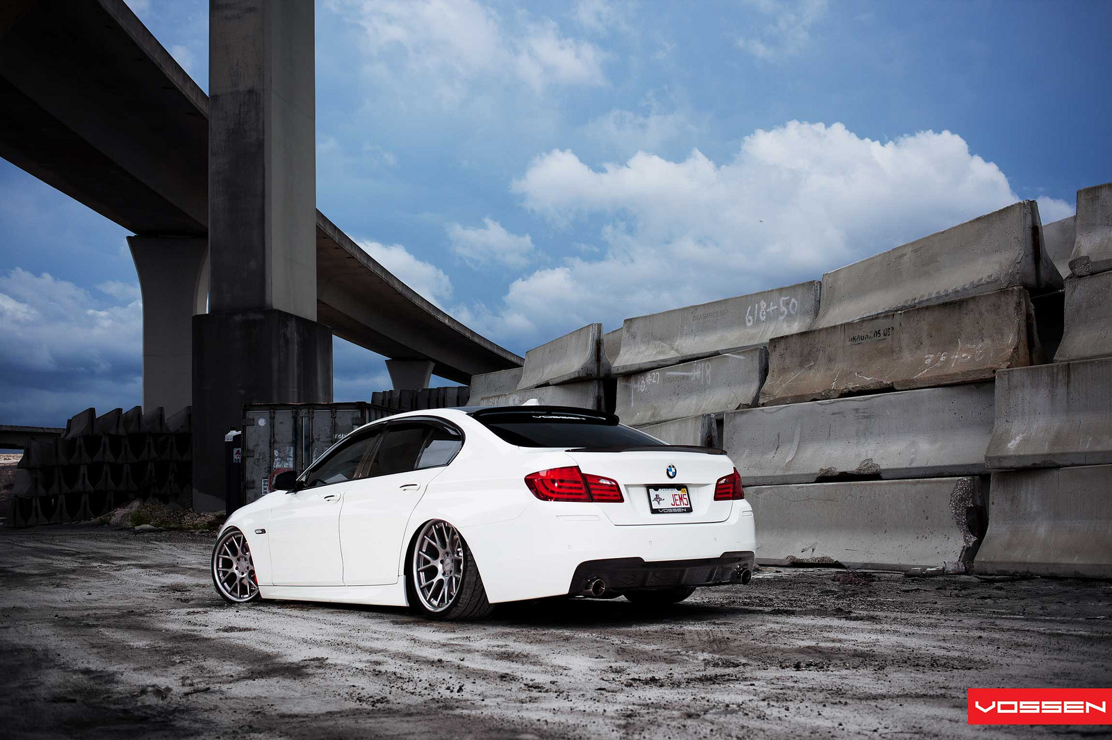 Slammed BMW 5 Series Is Not for Everyone - autoevolution