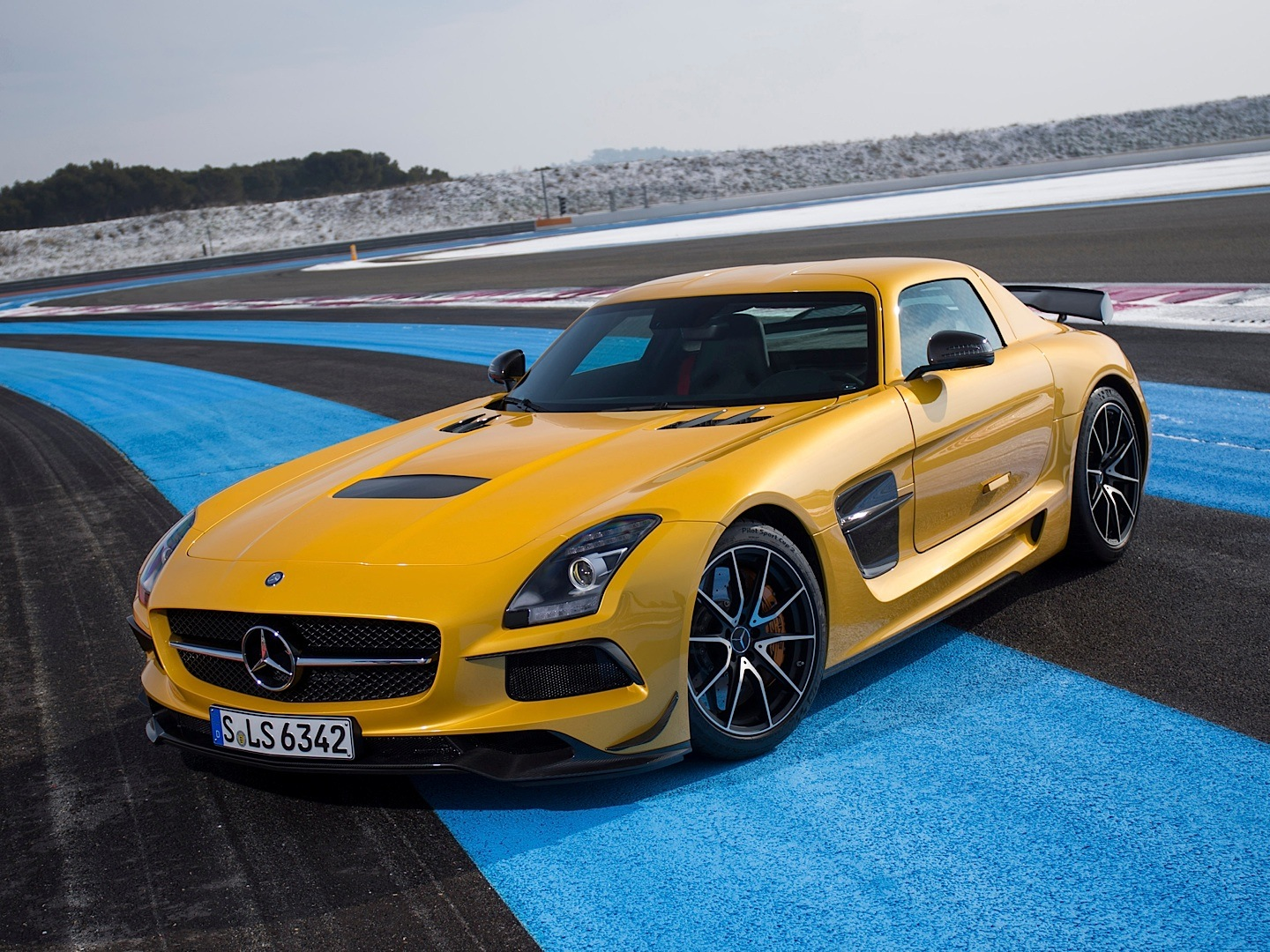 SLS AMG Black Series is Motor Trends Second Best Drivers Car