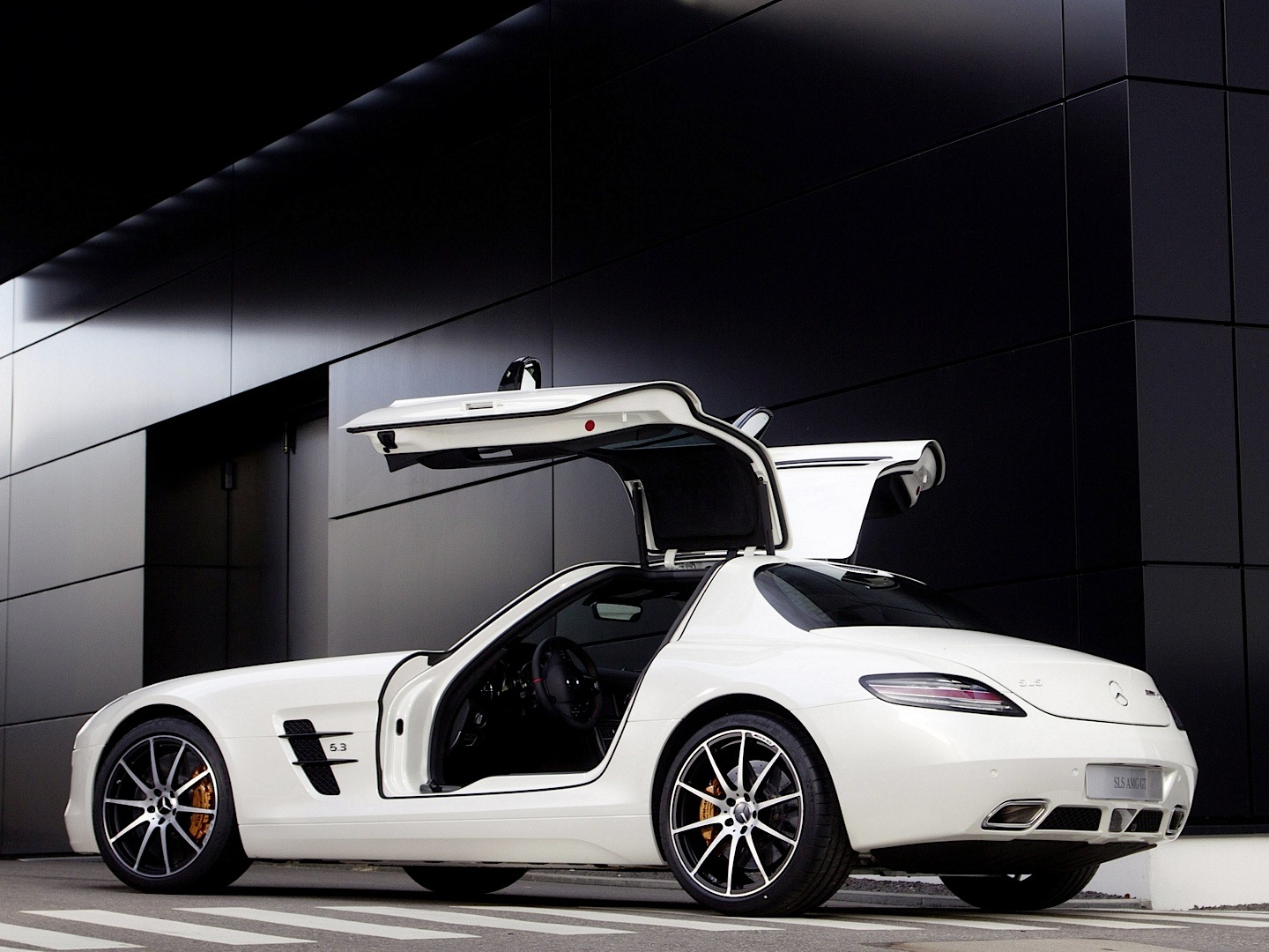 sls amg gt co pilot view and sound is terrifying. Black Bedroom Furniture Sets. Home Design Ideas