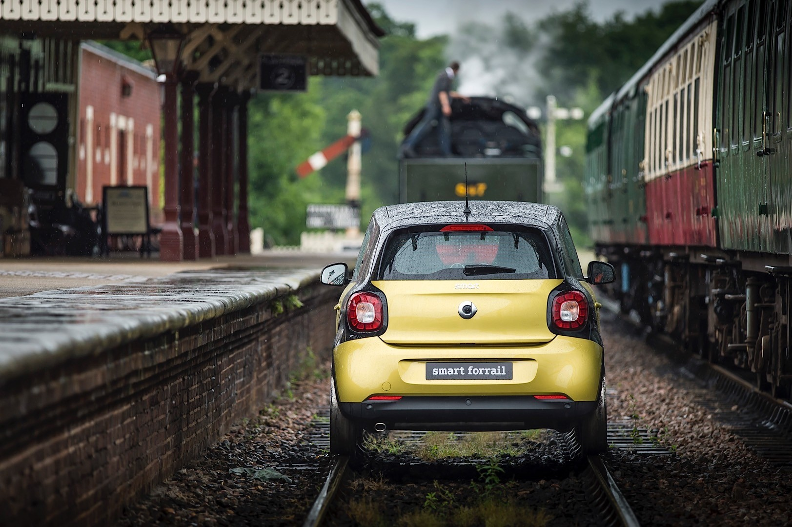 Smart Forrail Is The World S Smallest Train With 1 0