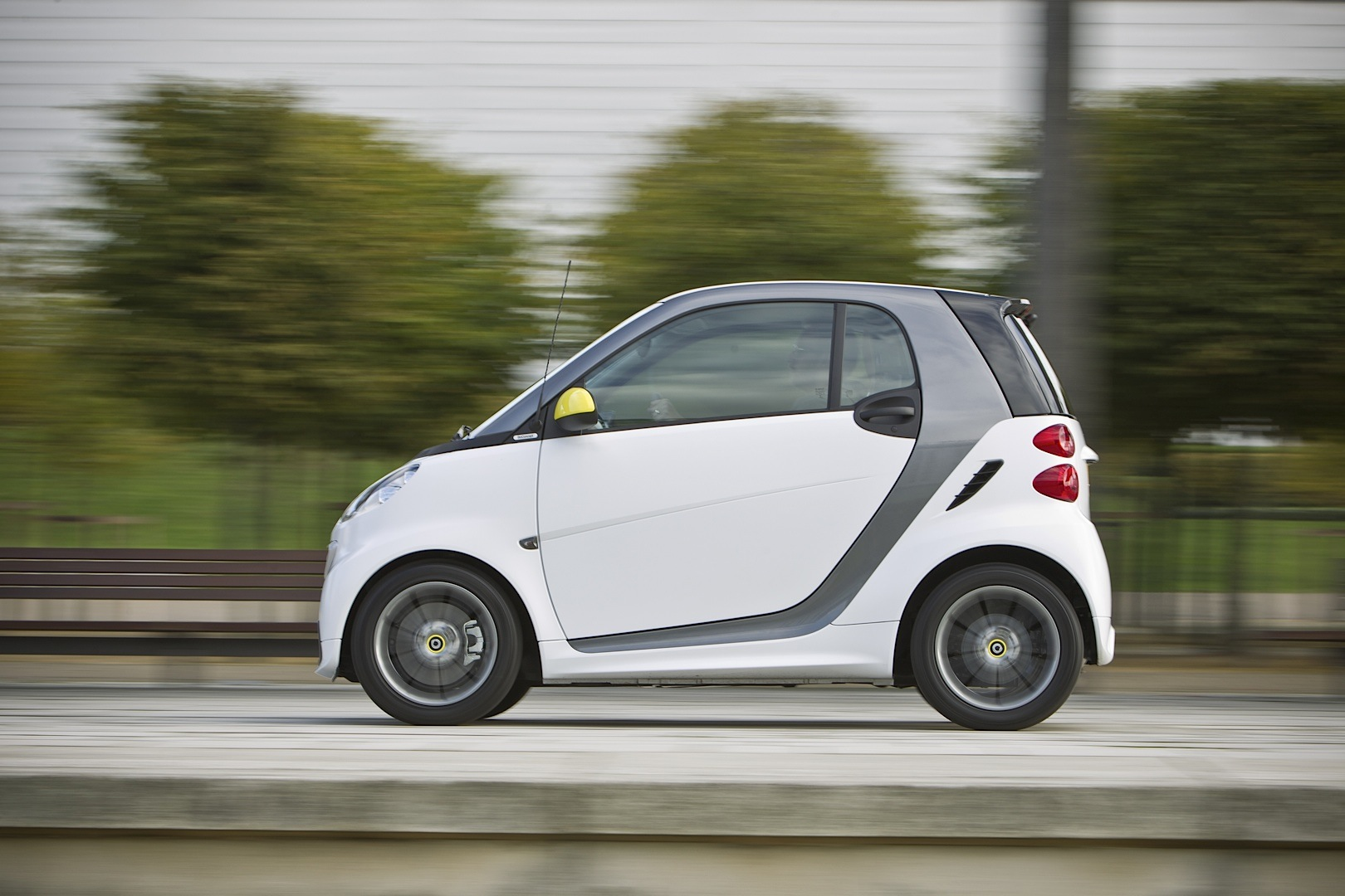 smart fortwo boconcept edition launched in the uk. Black Bedroom Furniture Sets. Home Design Ideas