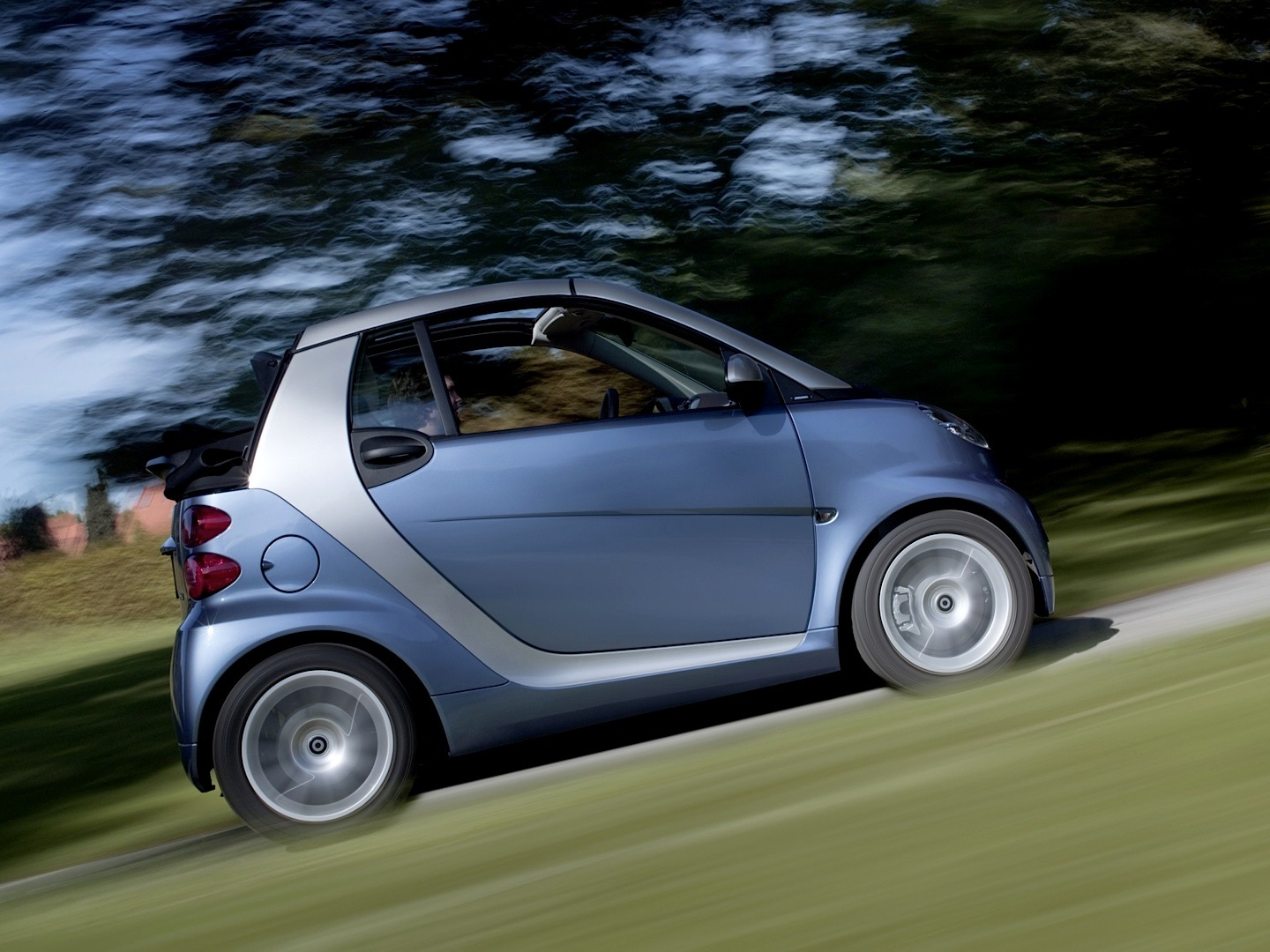 smart fortwo cabriolet is the cheapest convertible in the. Black Bedroom Furniture Sets. Home Design Ideas