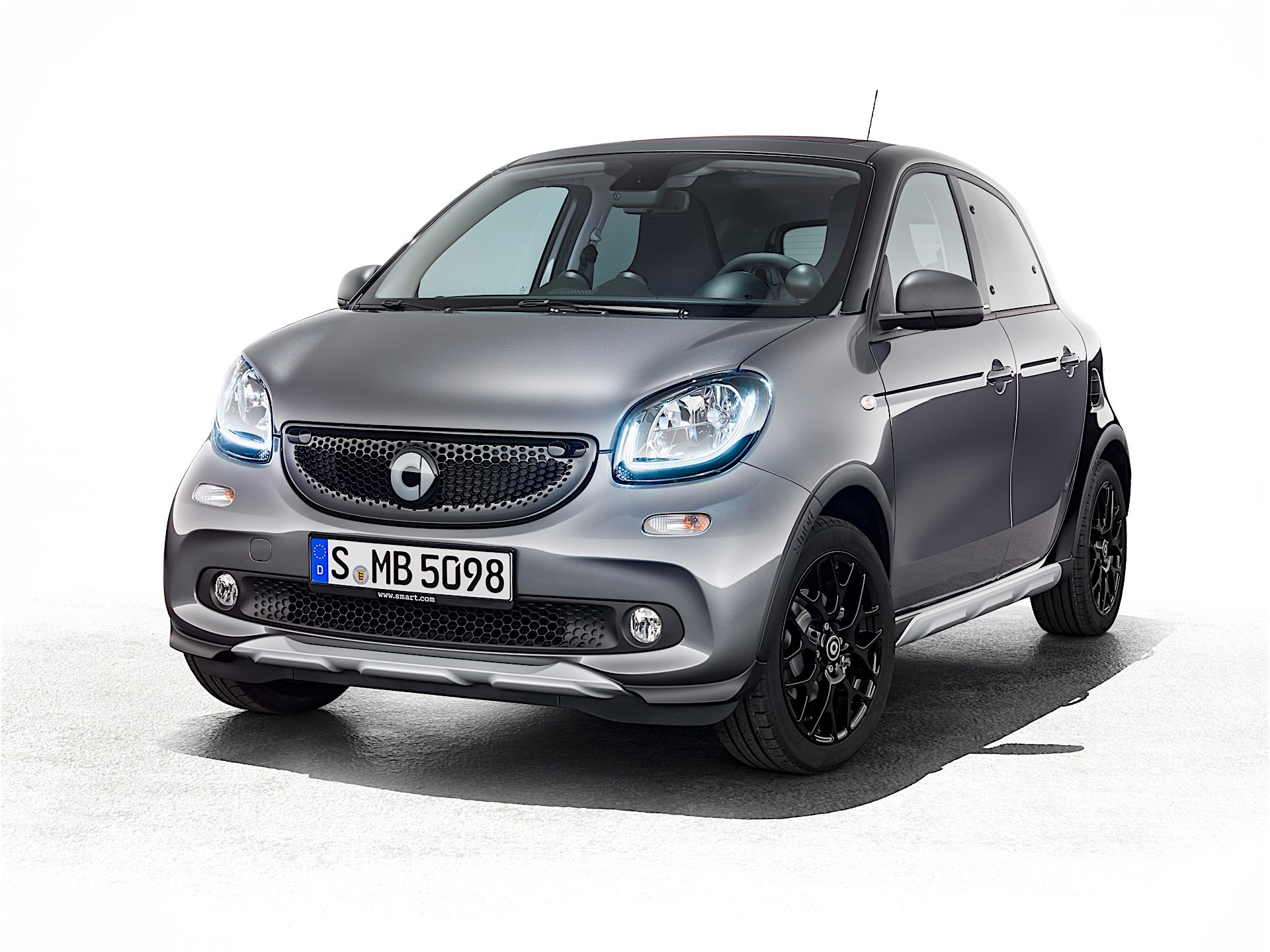 smart forfour gets special edition in shanghai it 39 s called crosstown autoevolution. Black Bedroom Furniture Sets. Home Design Ideas
