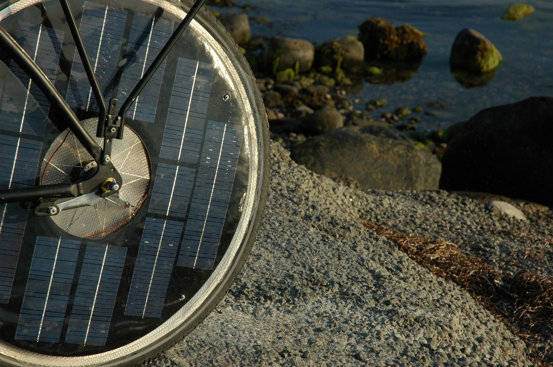 Solar Bike Is A Green Two Wheeler With Integrated Solar