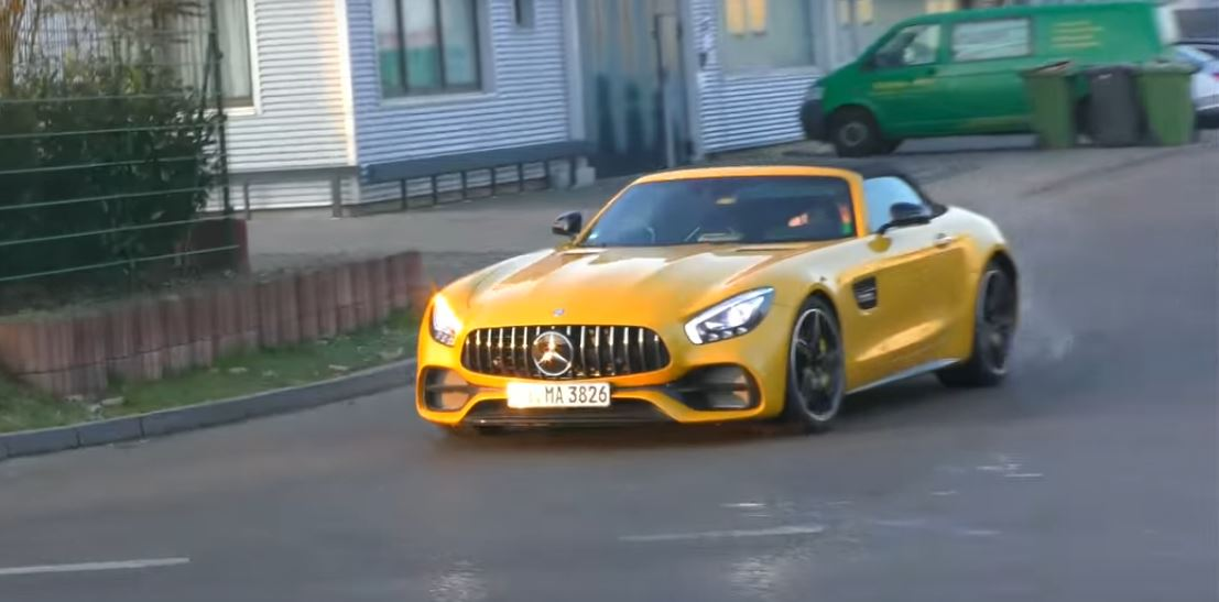 https://s1.cdn.autoevolution.com/images/news/gallery/solarbeam-yellow-2017-mercedes-amg-gt-c-roadster-shows-up-in-german-traffic_1.jpg