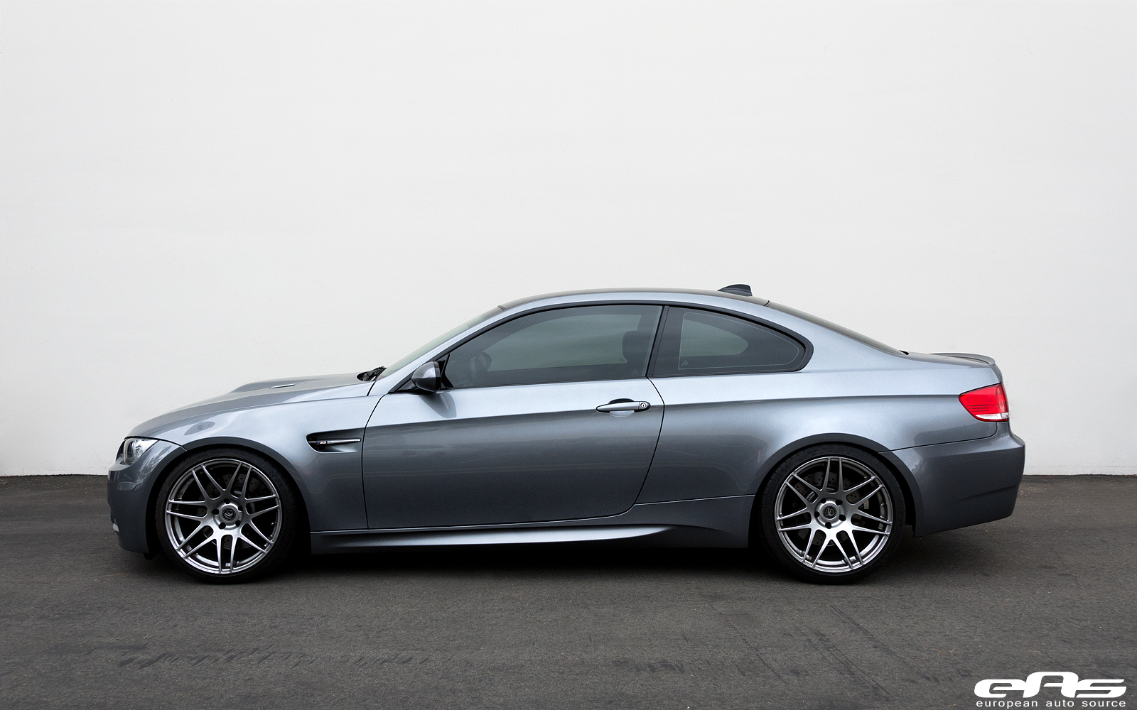 space grey bmw e92 m3 climbs on kw suspension at eas. Black Bedroom Furniture Sets. Home Design Ideas