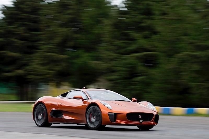 Spectre Premiere In Mexico Sees Felipe Massa Drifting Jaguar S C