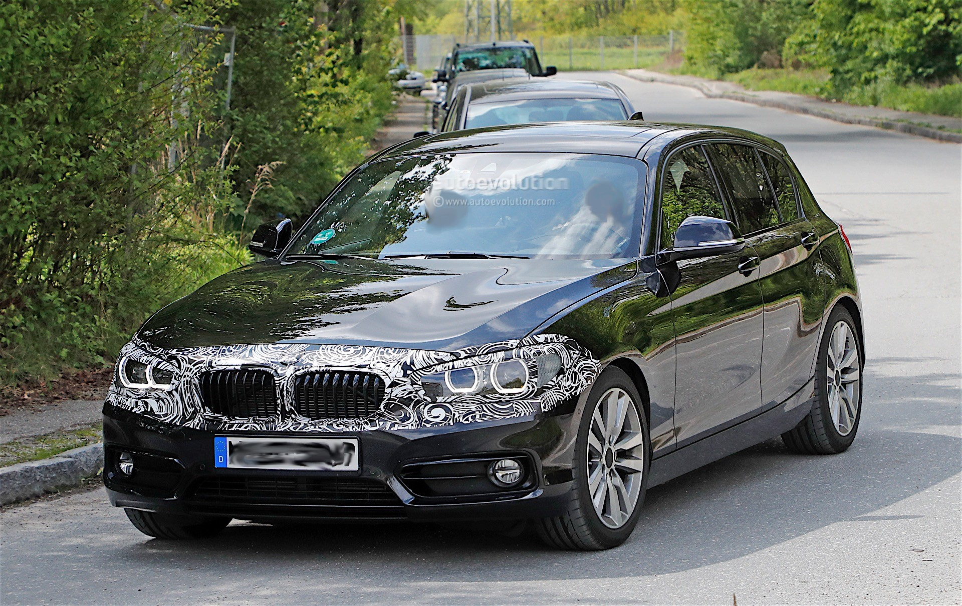2018 bmw 1 series facelift spied again expect to see it. Black Bedroom Furniture Sets. Home Design Ideas