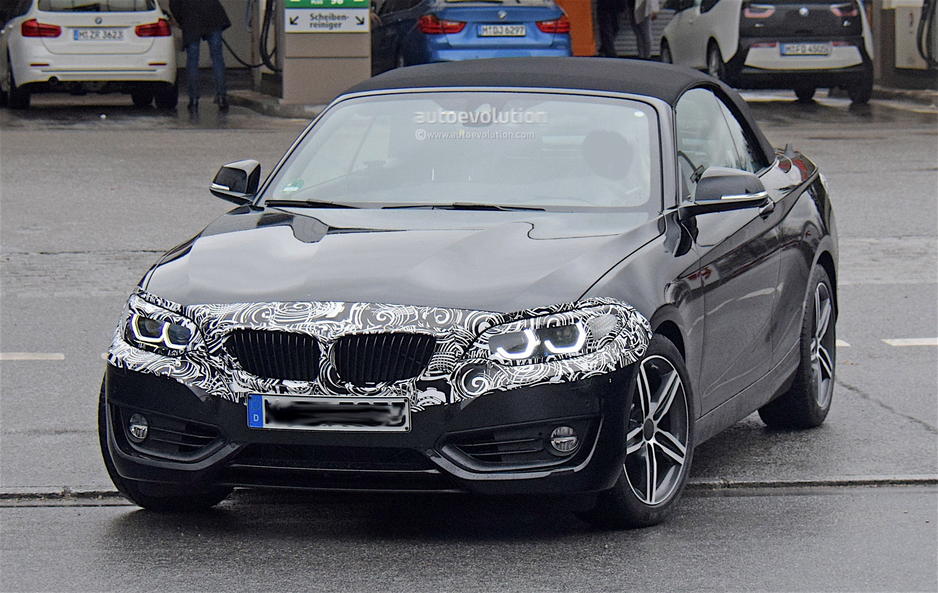 2019 bmw 2 series convertible spied testing with light camo autoevolution. Black Bedroom Furniture Sets. Home Design Ideas