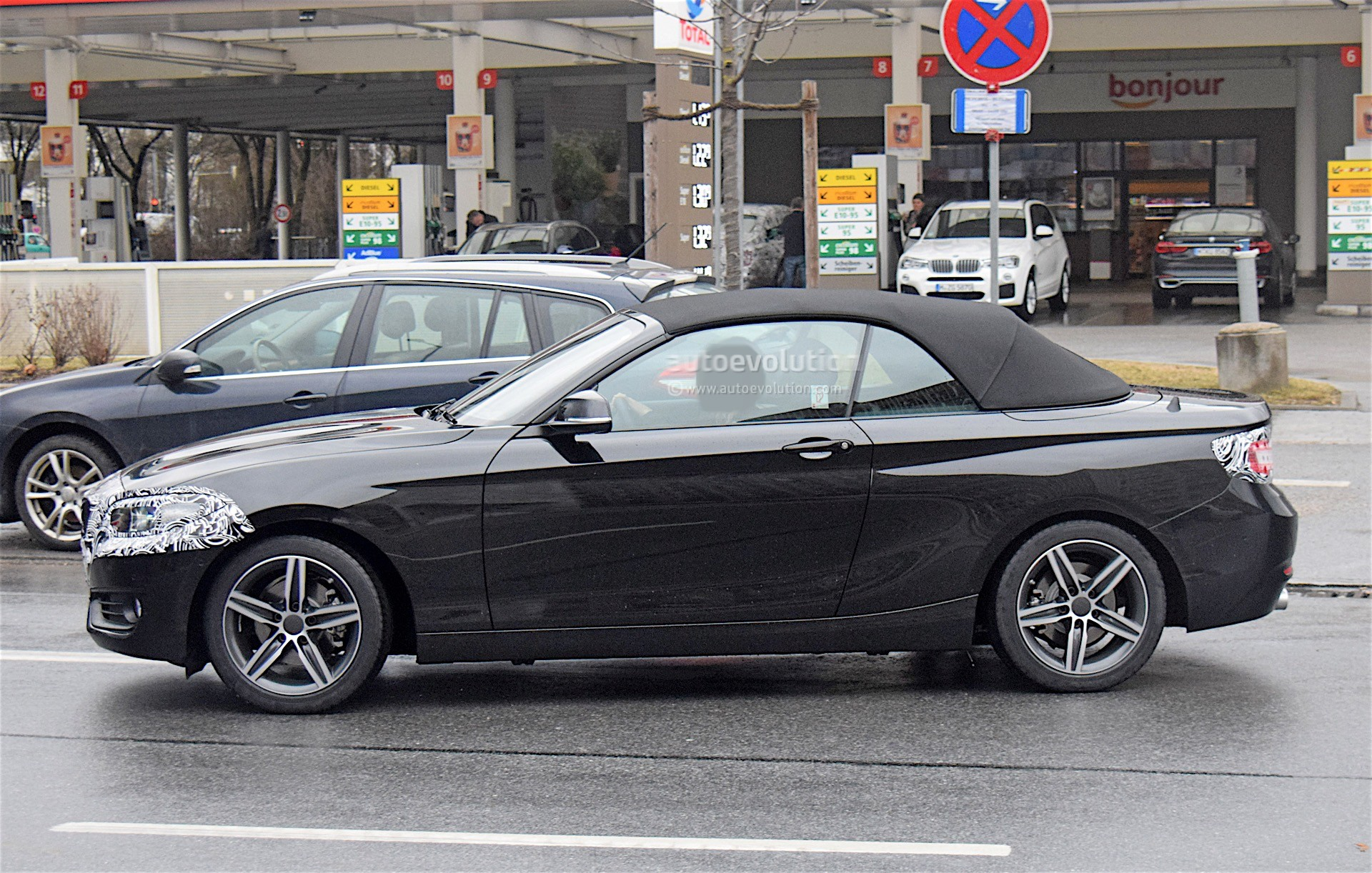 2019 Bmw 2 Series Convertible Spied Testing With Light Camo
