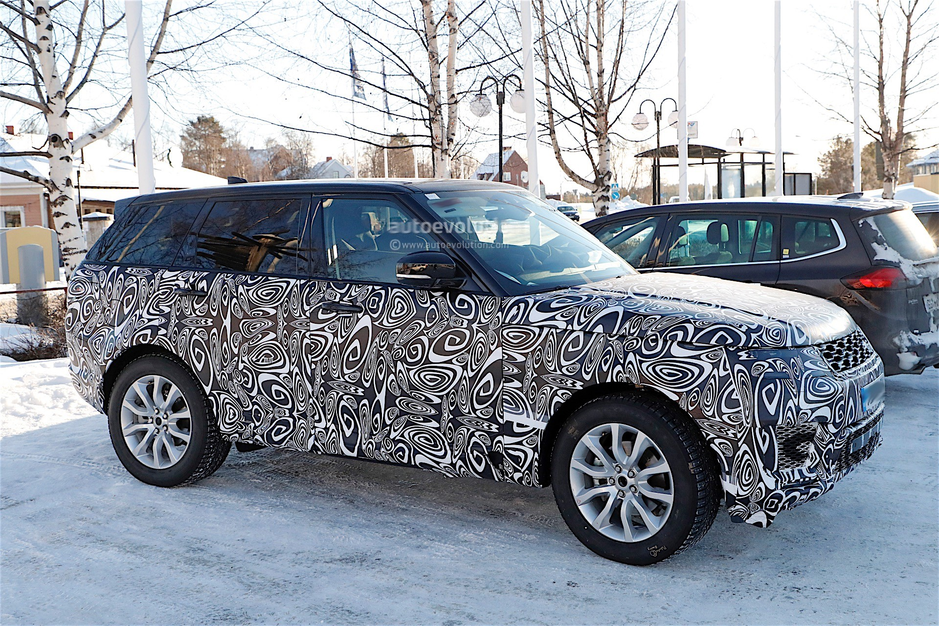 gold range rover with hamann mystere kit spotted autoevolution. Black Bedroom Furniture Sets. Home Design Ideas