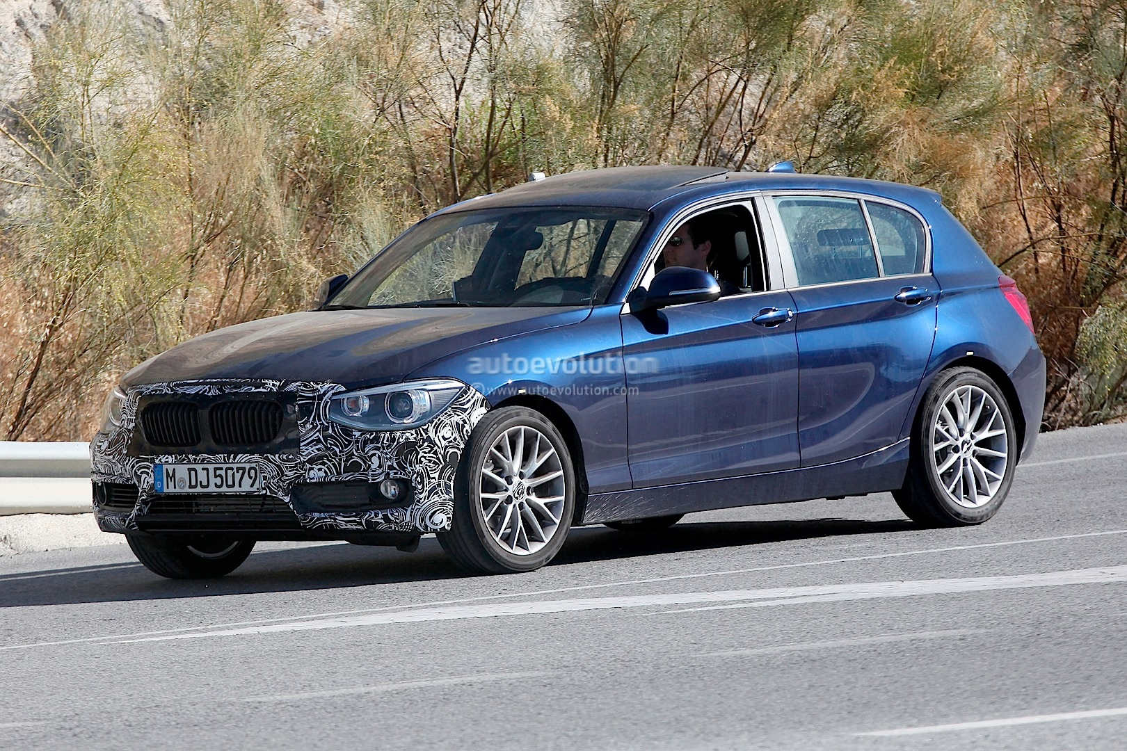 spyshots bmw f20 1 series lci already testing autoevolution. Black Bedroom Furniture Sets. Home Design Ideas