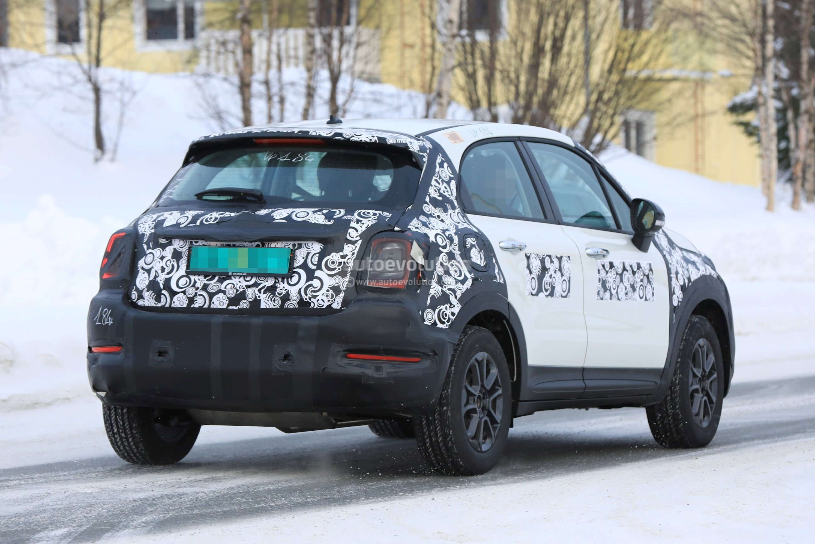2019 Fiat 500x Facelift Spied Together With 2019 Jeep Renegade Autoevolution