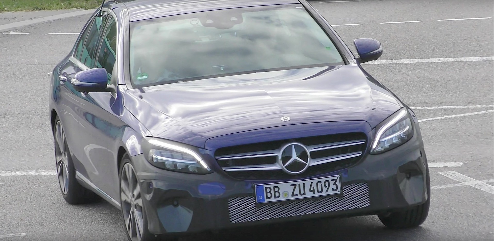 Spy video 2018 mercedes benz c class headlights look like for Looking for used mercedes benz