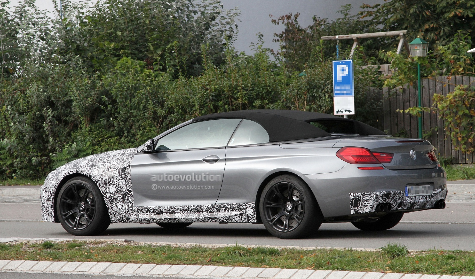 spyshots 2012 bmw m6 cabrio with less camouflage autoevolution. Black Bedroom Furniture Sets. Home Design Ideas