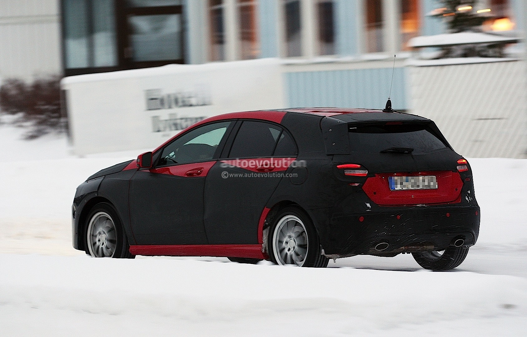 spyshots 2012 mercedes a class with less camo 10