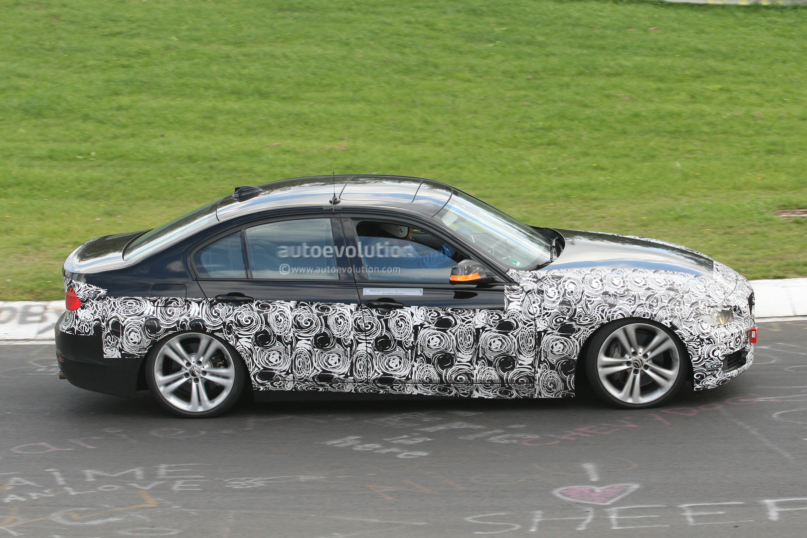 spyshots 2013 bmw activehybrid 3 spotted again autoevolution. Black Bedroom Furniture Sets. Home Design Ideas