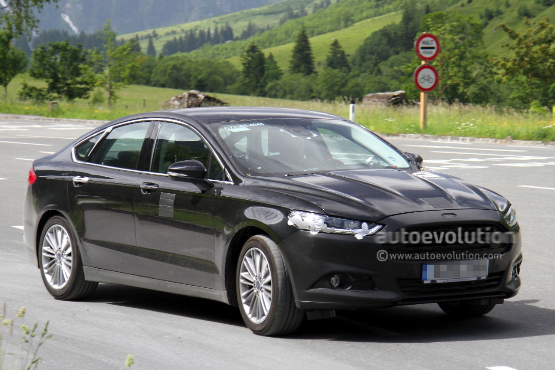 spyshots 2013 ford mondeo sedan autoevolution. Black Bedroom Furniture Sets. Home Design Ideas