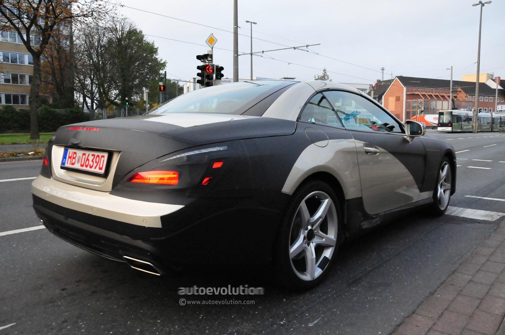 Spyshots 2013 mercedes benz sl interior autoevolution for Mercedes benz upholstery