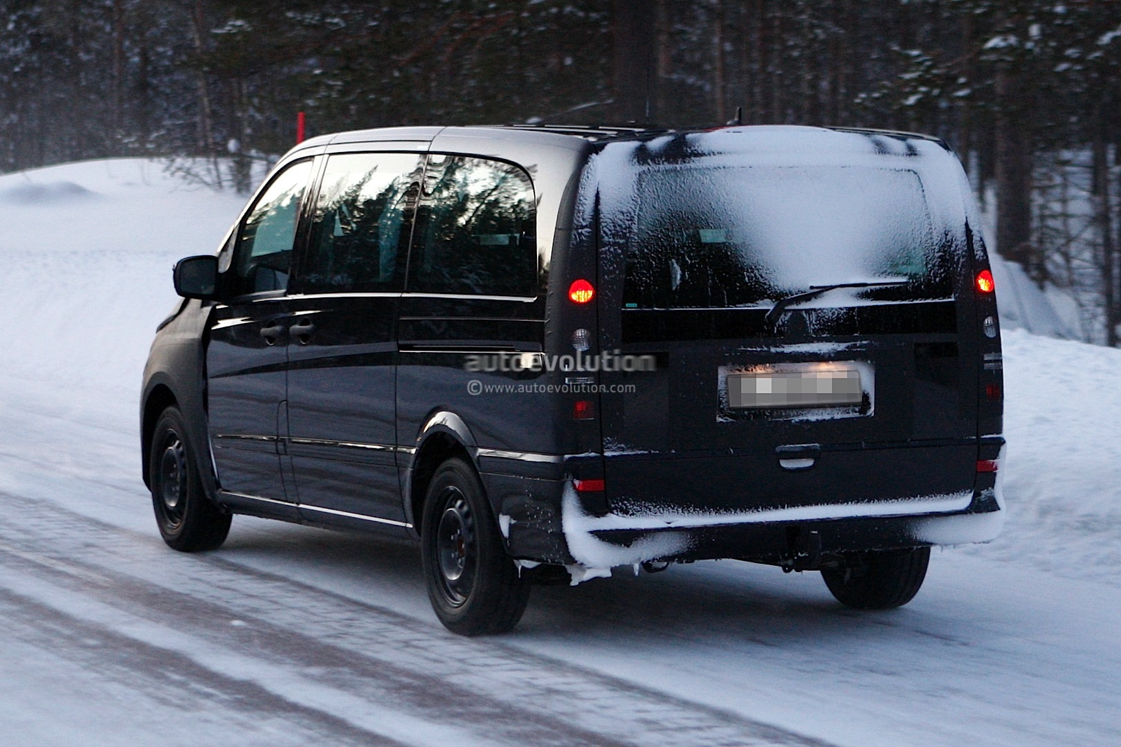 Spyshots: 2013 Mercedes-Benz Viano - autoevolution