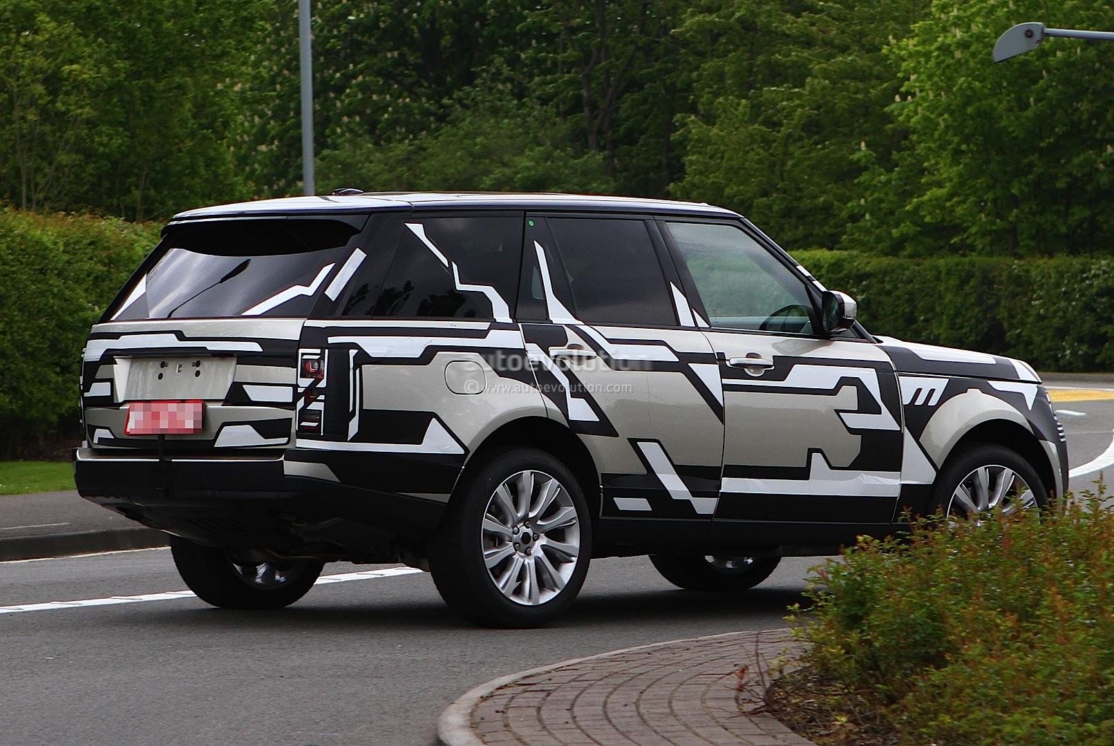 spyshots 2013 range rover drops camo autoevolution. Black Bedroom Furniture Sets. Home Design Ideas