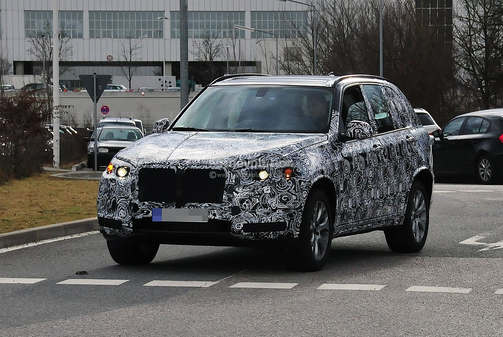 spyshots 2014 bmw f15 x5 autoevolution. Black Bedroom Furniture Sets. Home Design Ideas