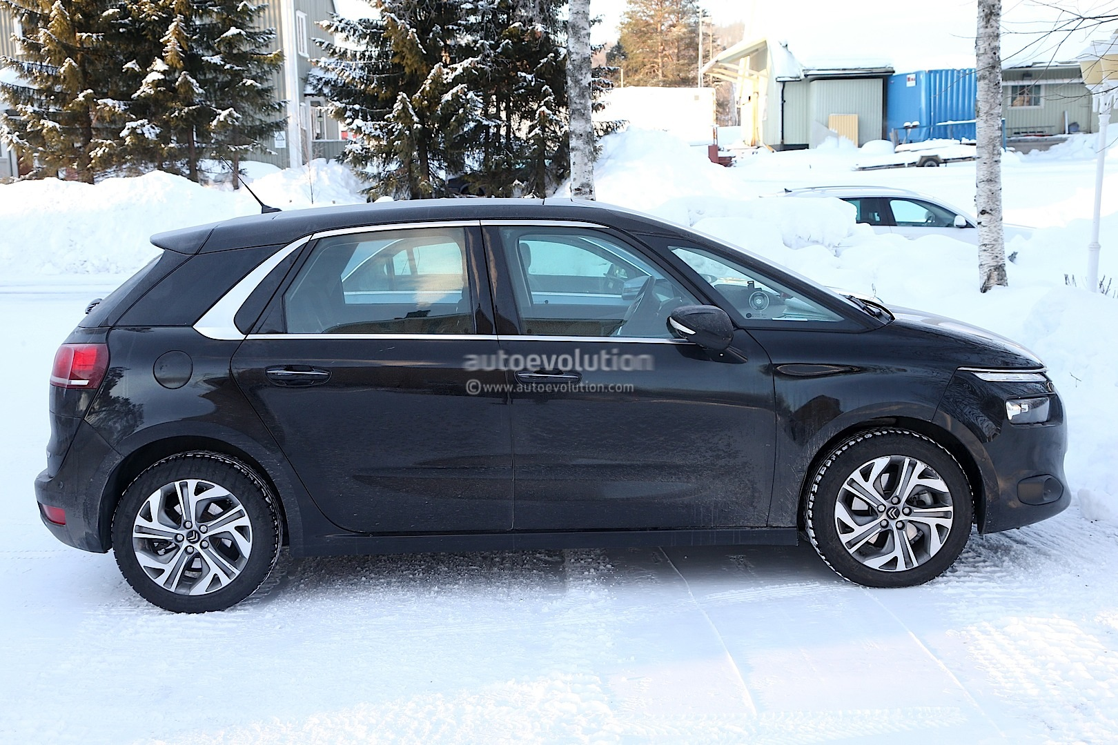 Spyshots: 2014 Citroen C4 Picasso Interior Revealed - autoevolution