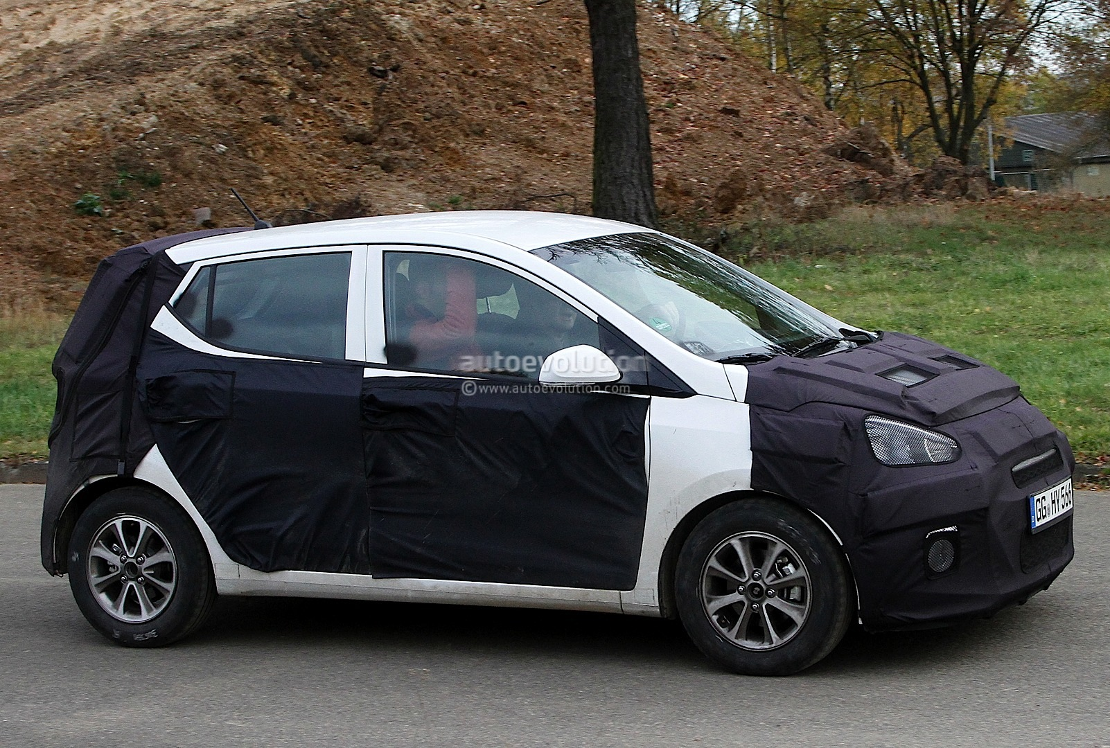 spyshots 2014 hyundai i10 autoevolution. Black Bedroom Furniture Sets. Home Design Ideas