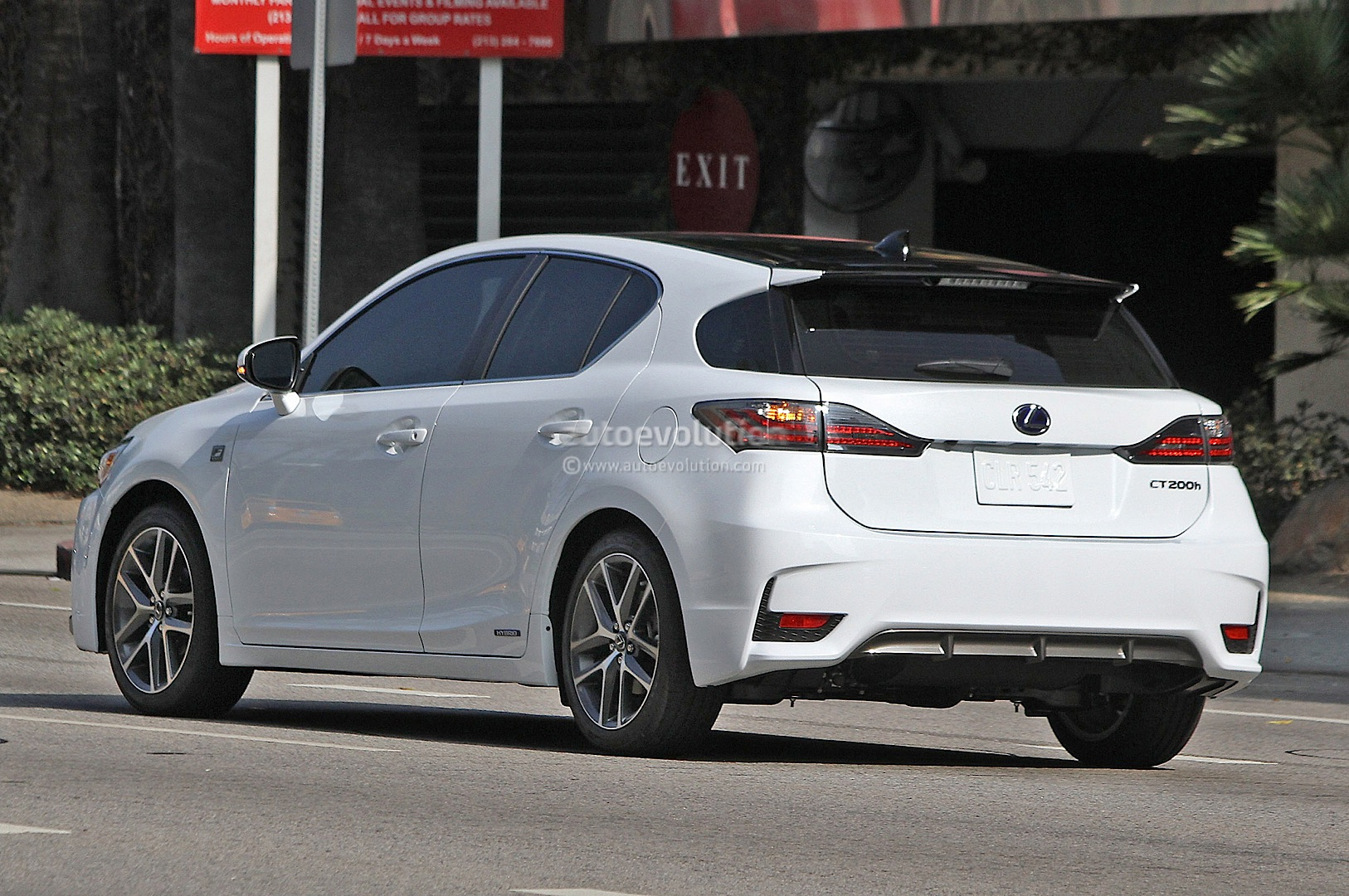 spyshots 2014 lexus ct 200h f sport captured again. Black Bedroom Furniture Sets. Home Design Ideas