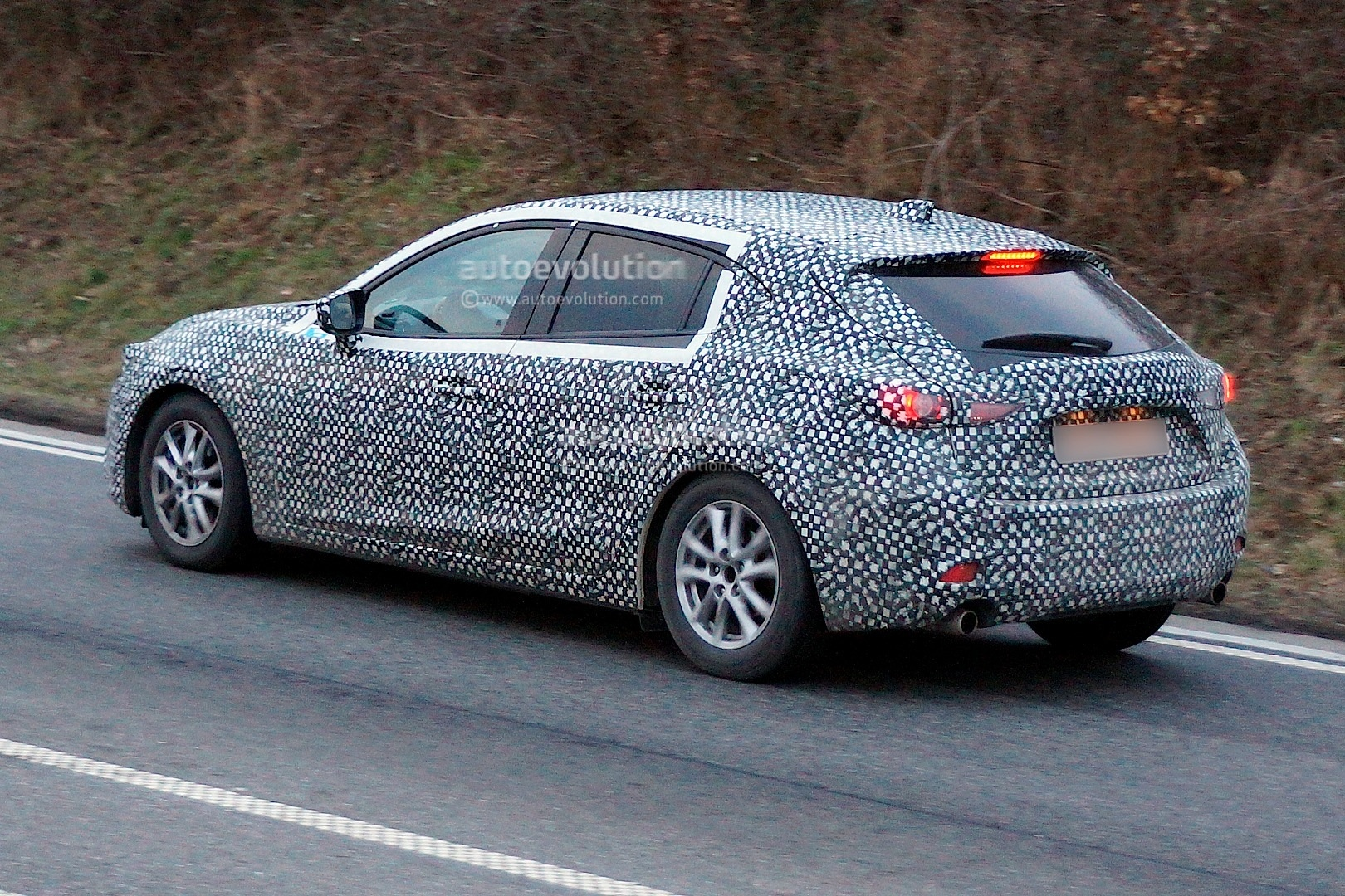 Spyshots 2014 Mazda3 Spotted For The First Time