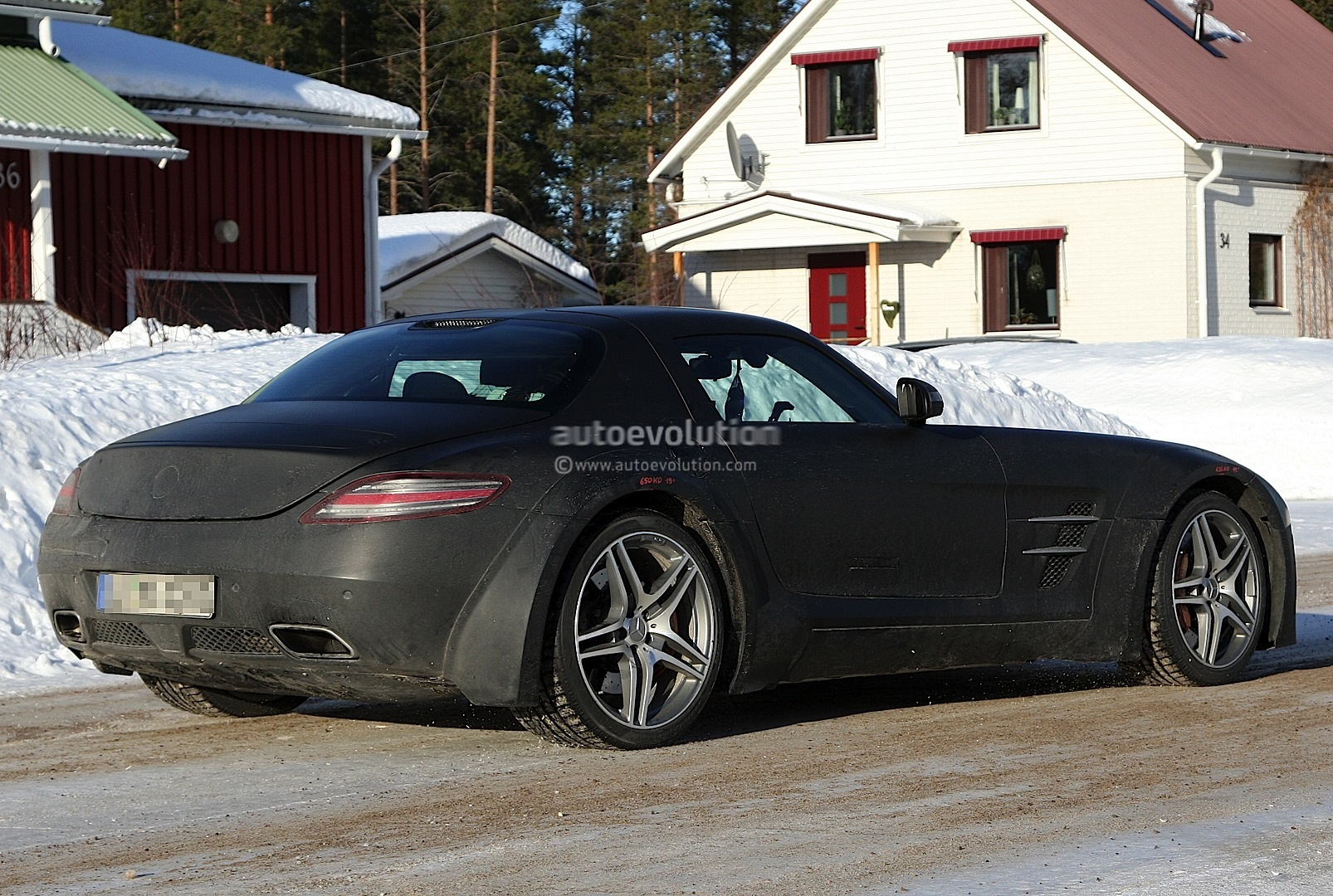 spyshots 2014 mercedes benz sls amg black series autoevolution. Black Bedroom Furniture Sets. Home Design Ideas