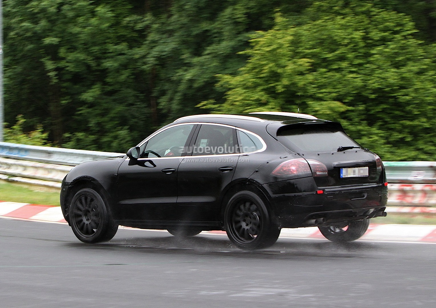 spyshots 2014 porsche macan interior revealed autoevolution